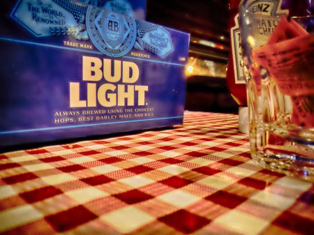 solitude, pub, bar, red checkered tablecloth, hdr