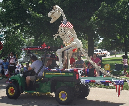 July 4, parade, local, dino, hitchhiking