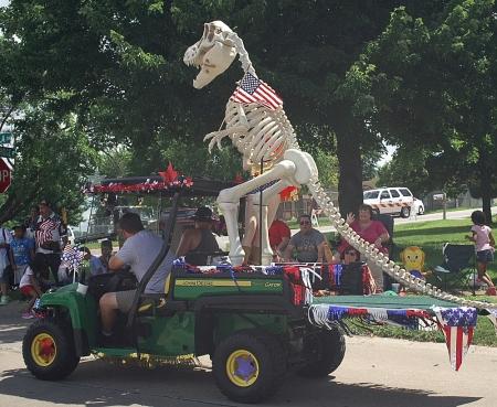 July 4, parade, local, dino, hitchhiking